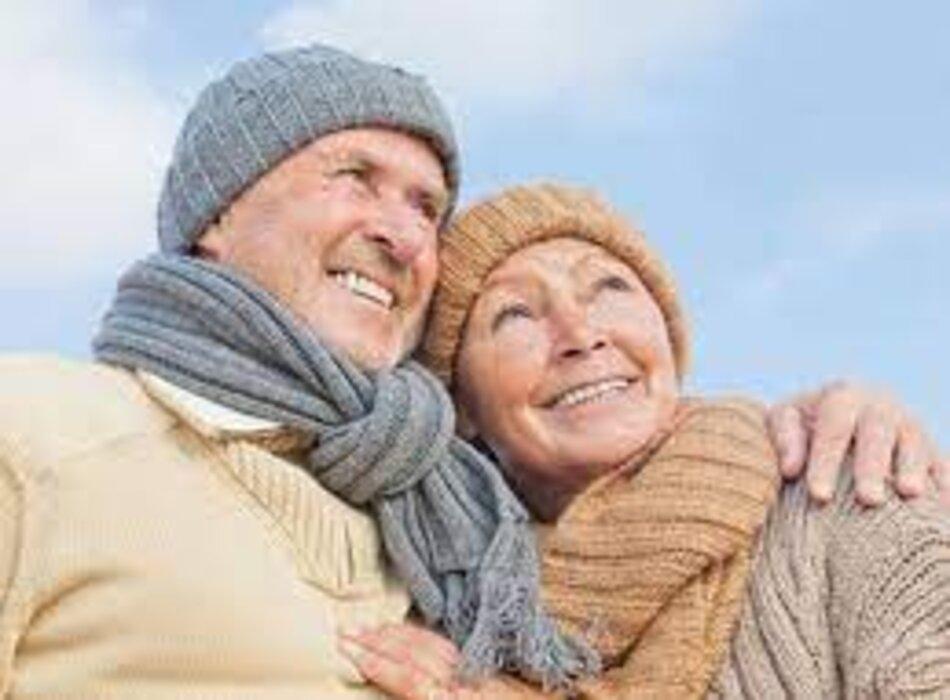 Mùa đông nên cho người cao tuổi ăn thức ăn nóng ấm và mặc ấm cho cơ thể