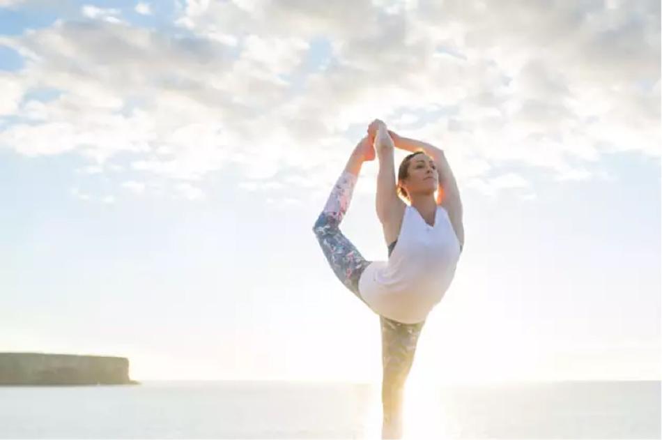 Người trẻ nên tập luyện ít nhất một môn thể thao để tăng sức mạnh của xương, ngăn ngừa loãng xương
